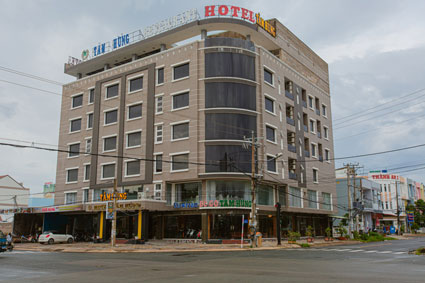 Khách Sạn Tâm Hùng