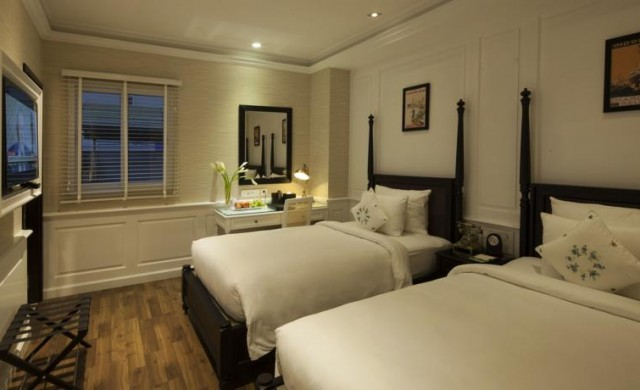 Deluxe Window Twin Bed - Daily Happy Hour & Free Minibar