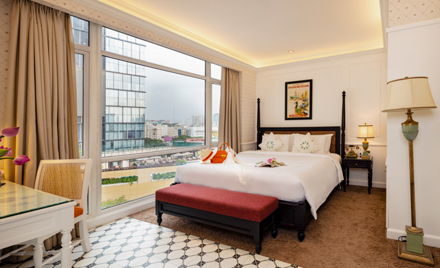 Premier Deluxe Room - Free Minibar & Daily Rooftop Bar Happy Hour