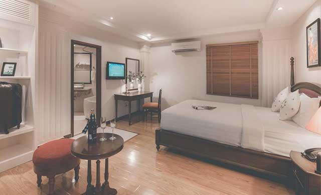 premier-deluxe-room-2