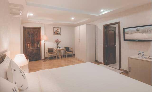 premier-deluxe-room-4